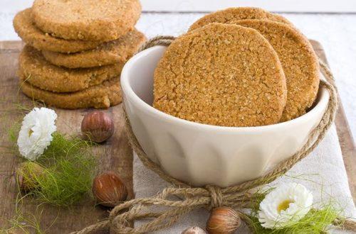 Dolci Da Credenza Biscotti Alle Nocciole : Biscotti ripieni di amarena u viaggiandoincucina