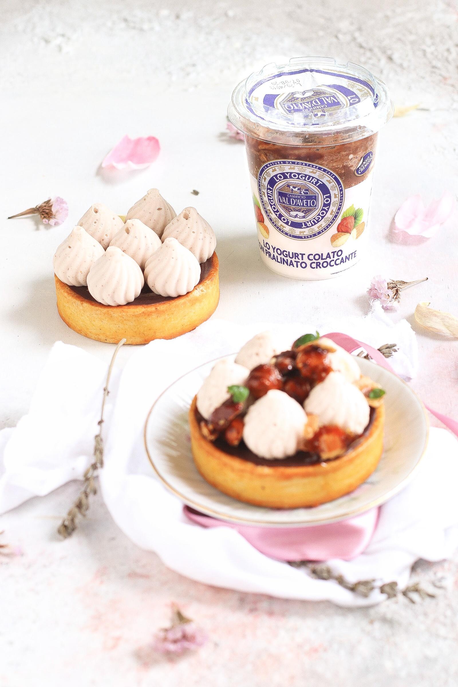 Tartellette cioccolato con mousse allo yogurt colato