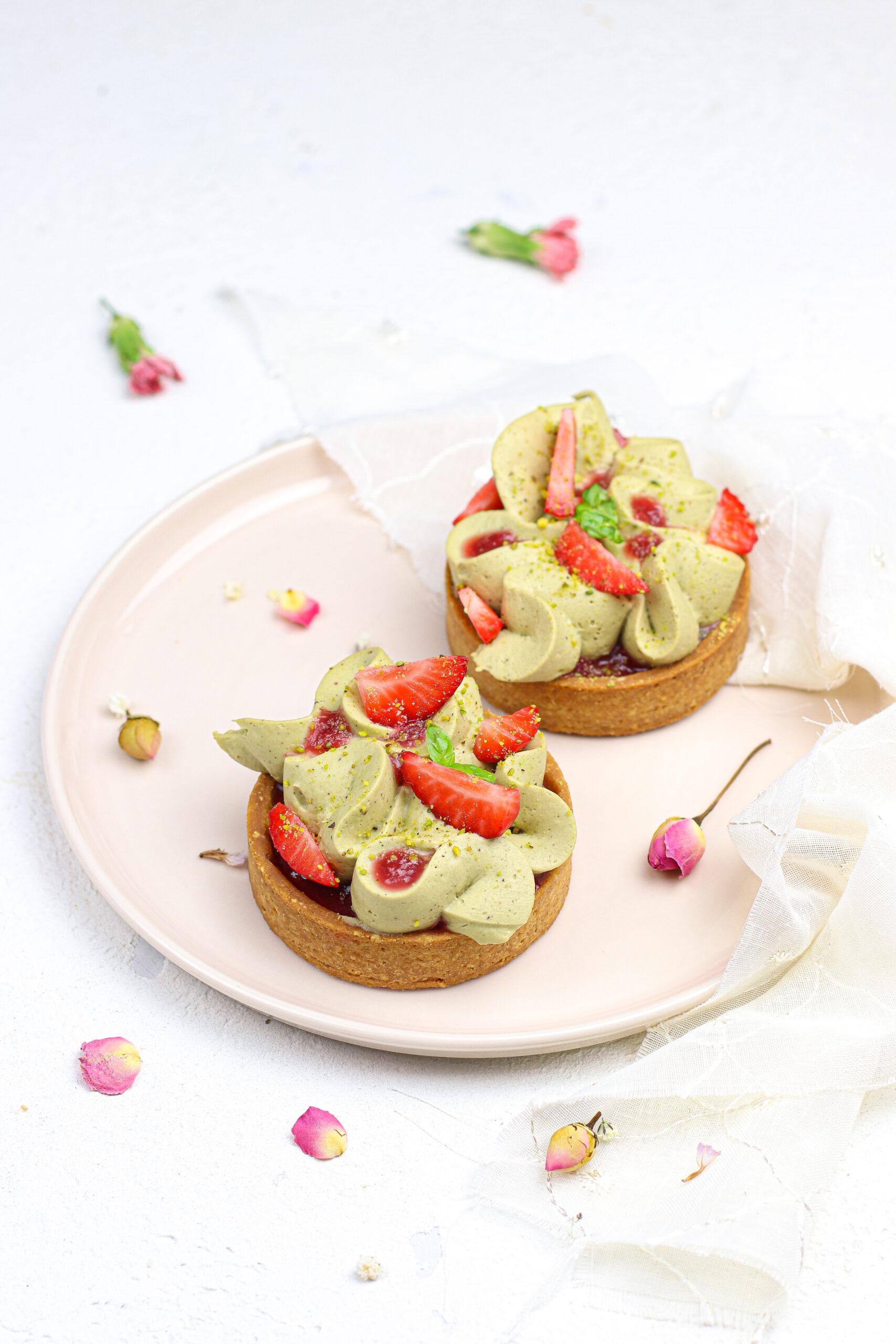 tartellette pistacchio e fragole