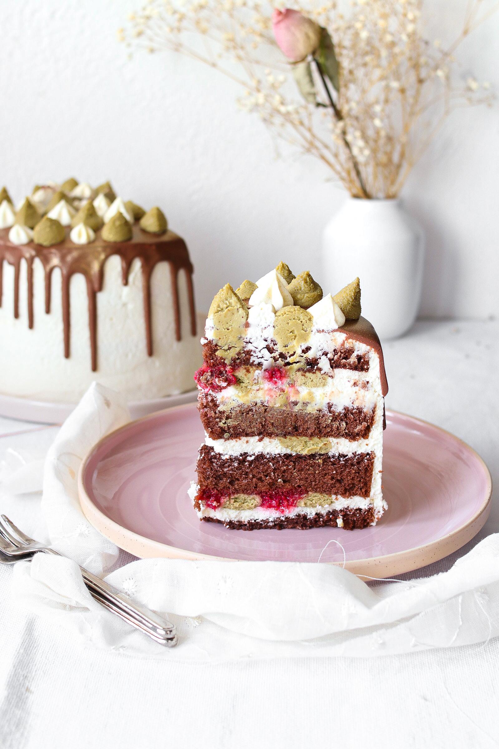 Drip Cake pistacchio e lamponi
